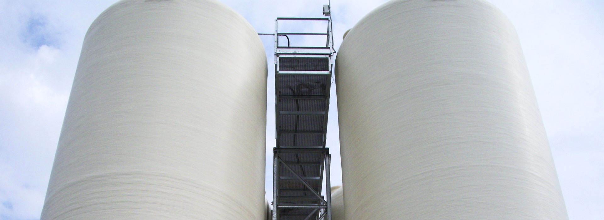 Serbatoi-in-vetroresina-cilindrici