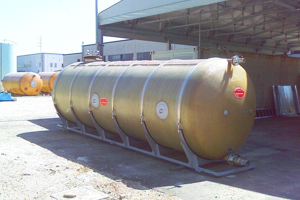 Serbatoi in vetroresina per trasporti vetroresina senio for Vasche vetroresina per laghetti